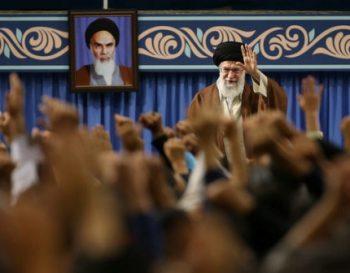 رهبرمعظم انقلاب: کوتاهآمدن امریکا را گستاخ میکند تنها راه، مقابله وایستادگی است