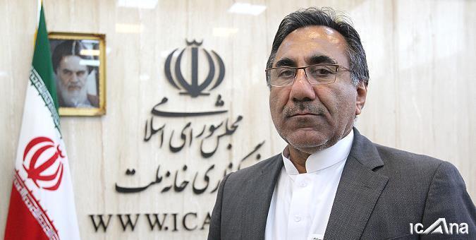 بازماندگی از تحصیل به دلیل استفاده از معلمان فارس برای دانشآموزان بلوچ